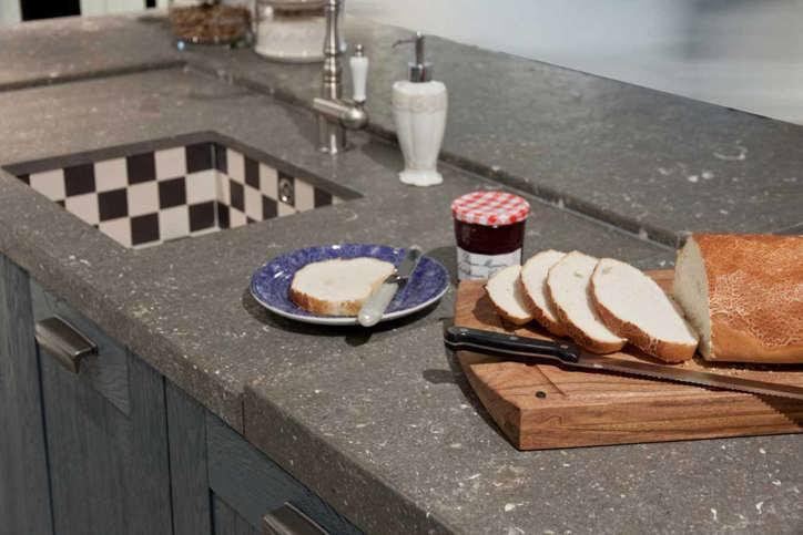 Complete Keukens Grijs: Keuken met eiland kopen atumre. Keuken kleuren ...