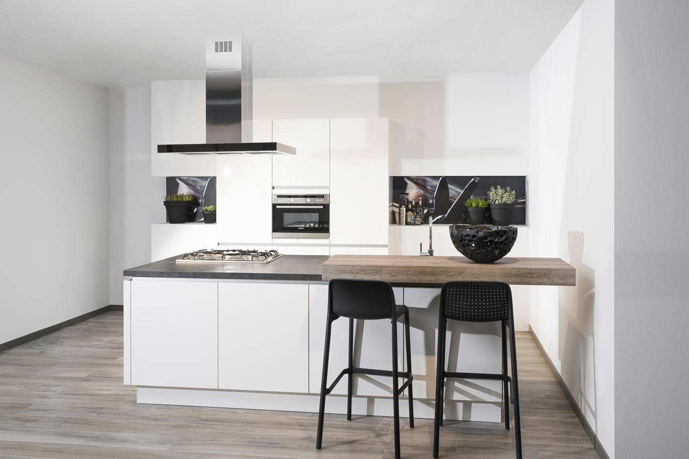 Ervaring Zelf Keuken Maken : U wilt een keuken met eiland? Veel keus, lage nettoprijzen