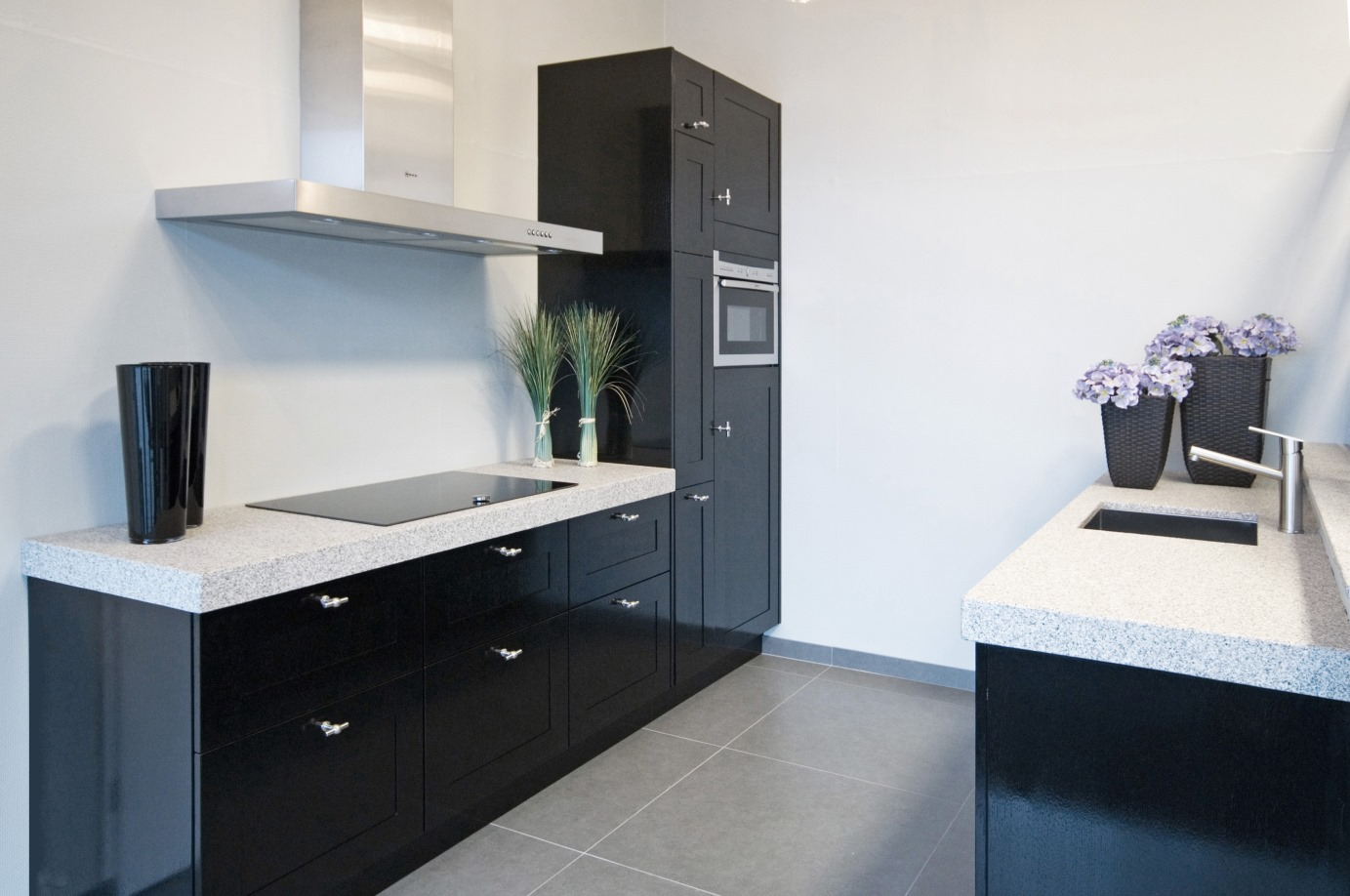 Zwart Grijs Keuken : Nieuwe next keuken in kristalgrijs en lava zwarte keukenfronten