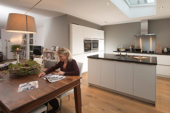 Strakke Design Keukens : Onze design keukens: strak luxe uniek en ieder budget pelma