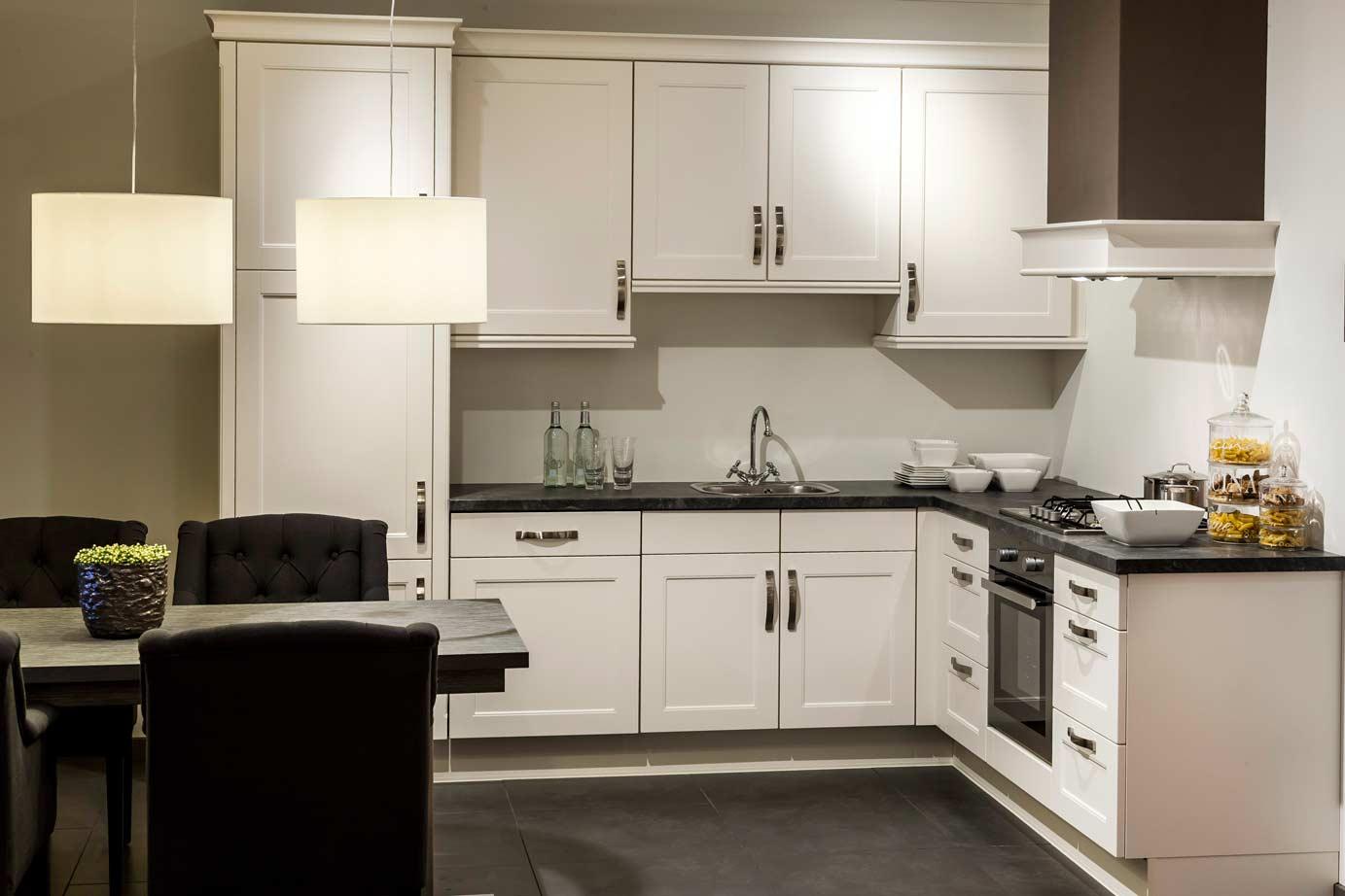 Jaren 50 Keuken : Showroomkeukens in prijs verlaagd korting tot pelma