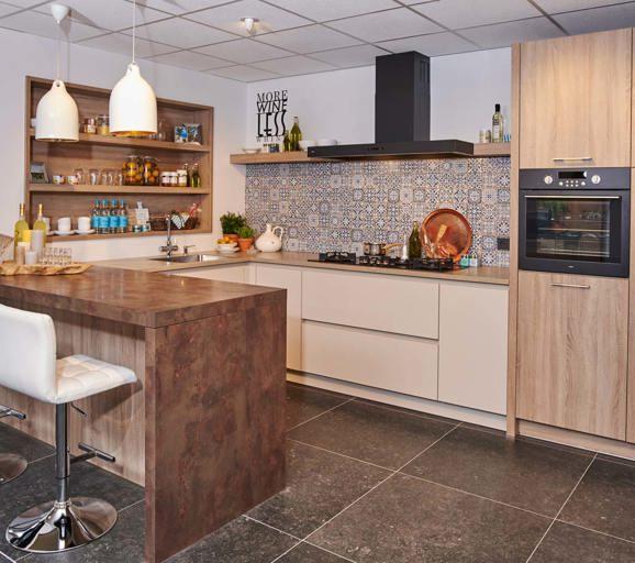 Onze design keukens strak luxe uniek en ieder budget pelma - Keuken uitgerust m ...