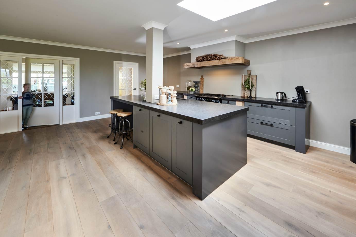 Super Landelijk moderne keuken met eiland in Zeeland? Lees klantervaring #MX11