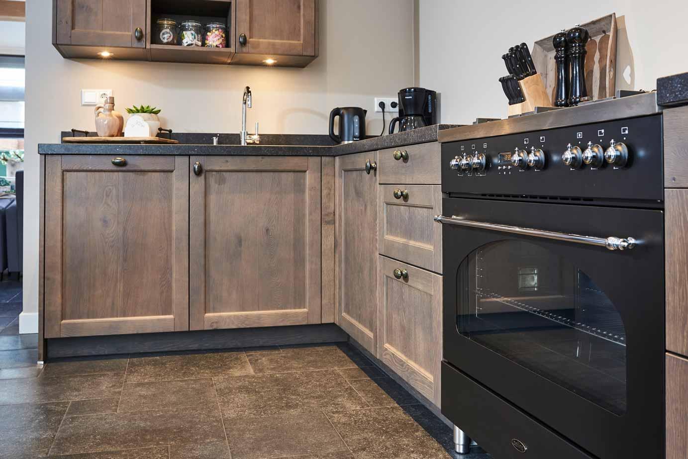 Massief Houten Keuken : Landelijke houten keuken kopen in krabbendijke lees klantervaring