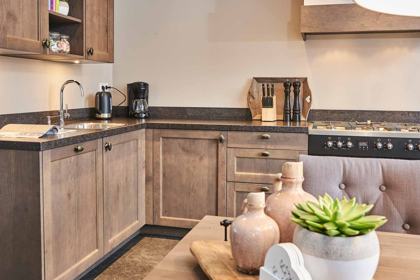 Smalle Landelijke Keuken : Landelijke houten keuken kopen in krabbendijke lees klantervaring
